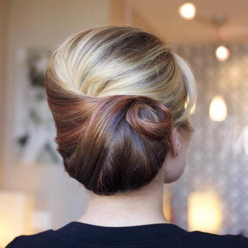 Two Toned Classic Bun