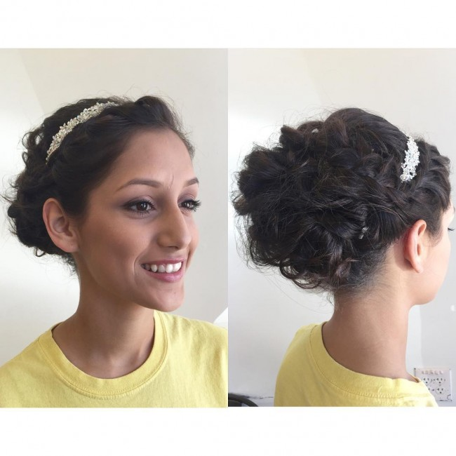 Chic Curly Upstyle