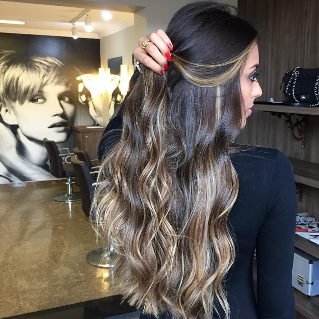 Lovely Beach Waves with Blonde Streaks