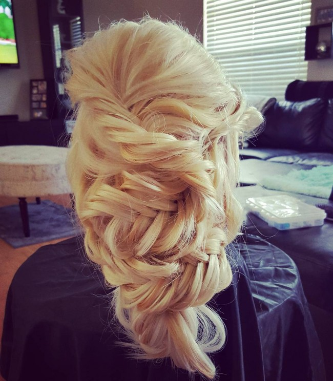 Messy and Easy Blonde Twists