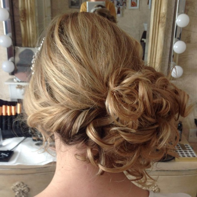 Textured and Twisted Upstyle