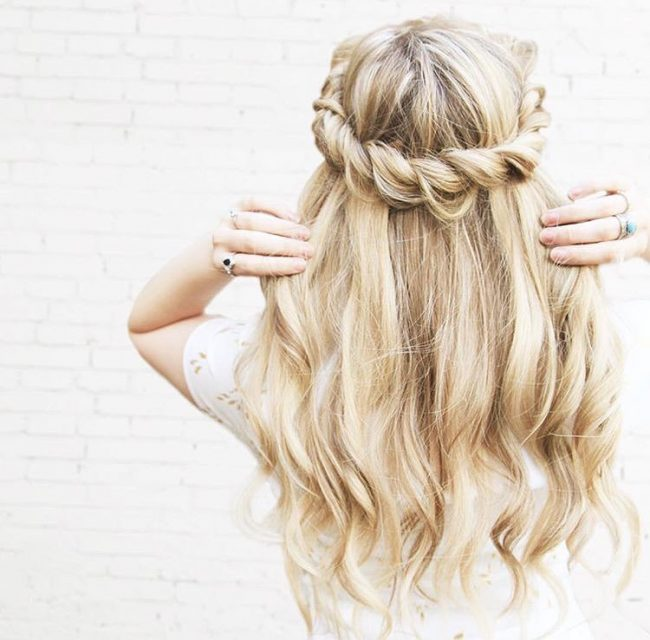 Vintage Bridal Blonde Hair