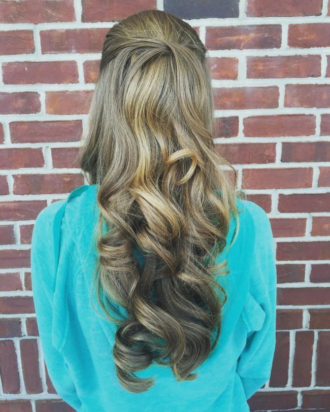 Gorgeous Curls with a Simple Twist