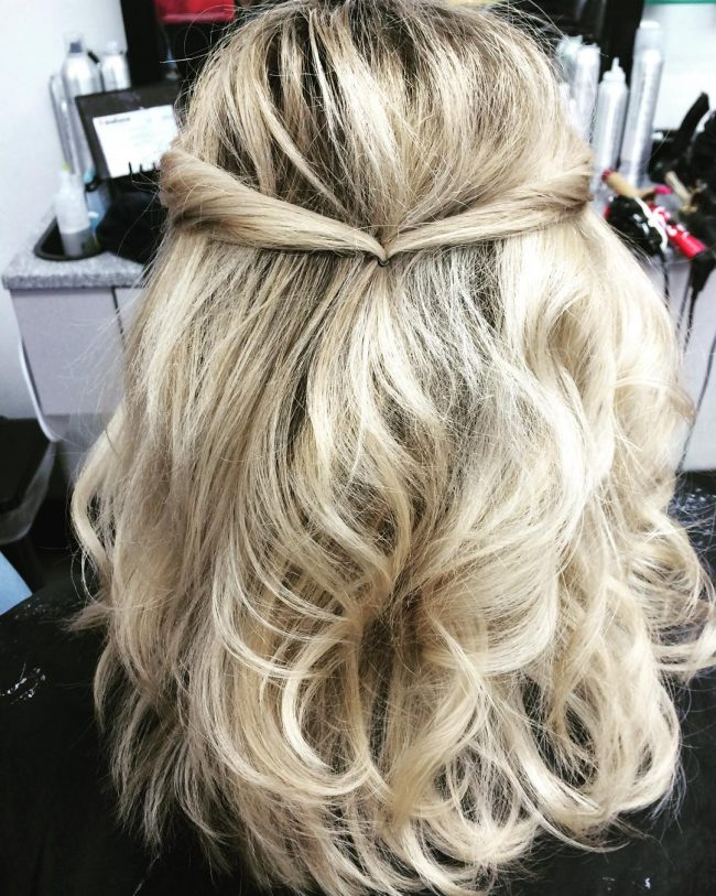Loose Blonde Curls
