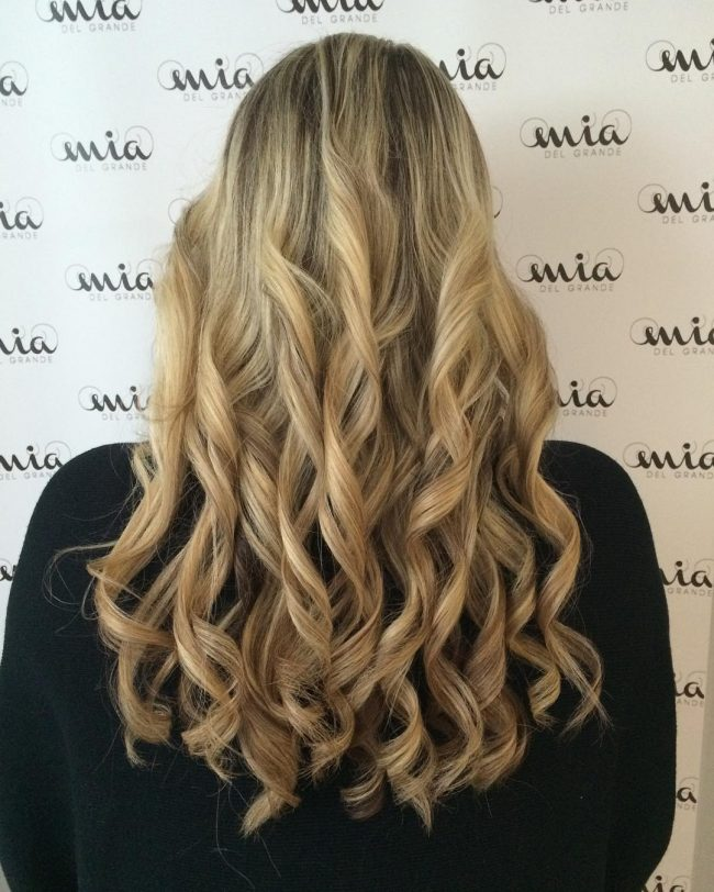 Stylish Curls with a Natural Drop
