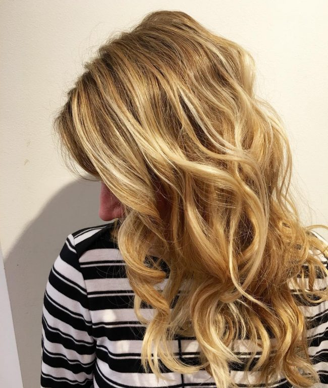 Wavy Tresses with Smoked Roots