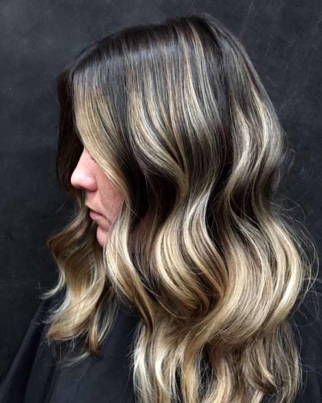 Classy Dark Tone to Blonde Ombre Waves