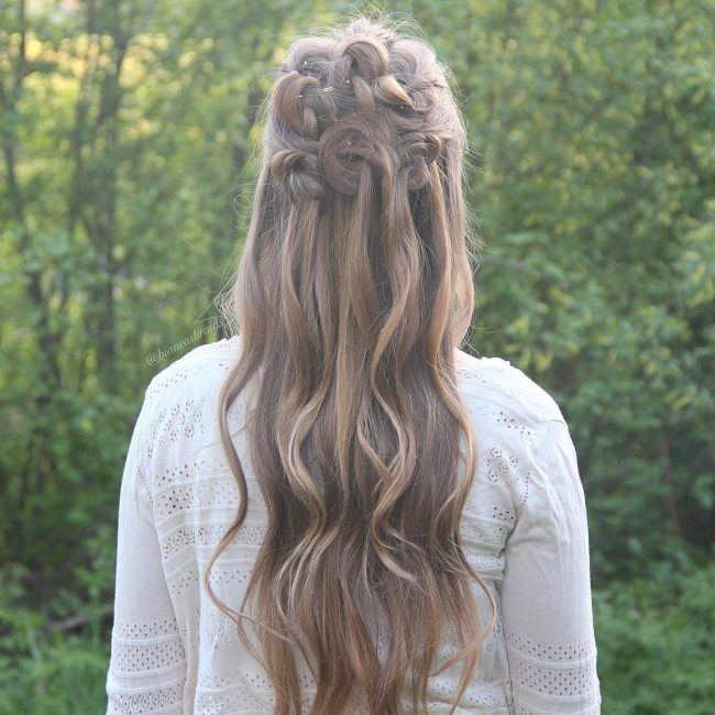 Knotted Half-Updo with Curls
