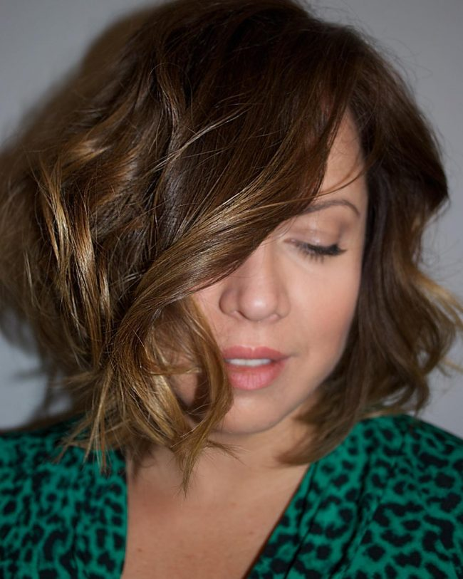 50 Tempting Side Swept Bangs Hairstyles Long And Short