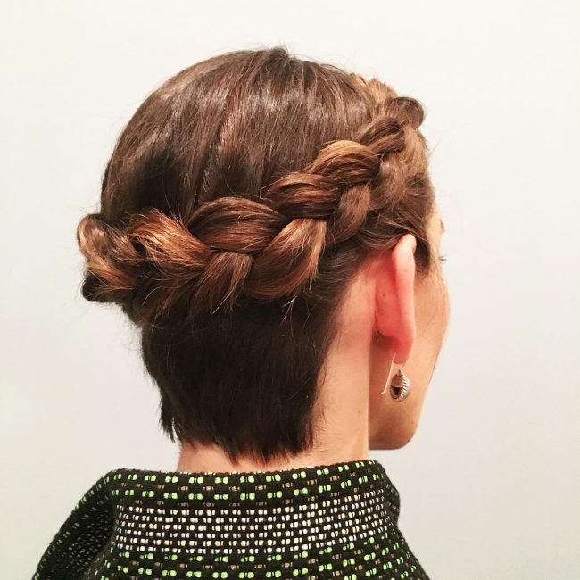 Elegant Crown Twist on Blunt Locks