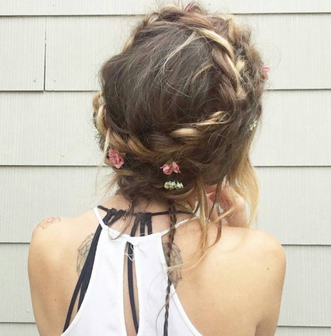 Messy Boho Style with Flowers