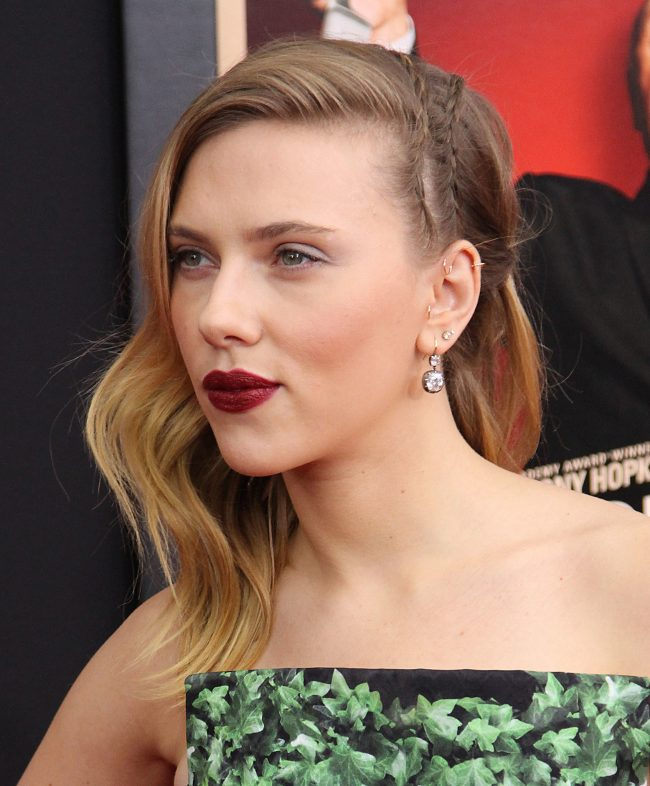 Scarlett's Diagonal Rows on a Wavy Hair