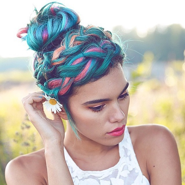 Top Knot and Twists