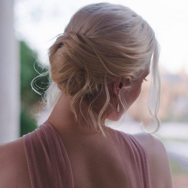Easy Blonde Chignon