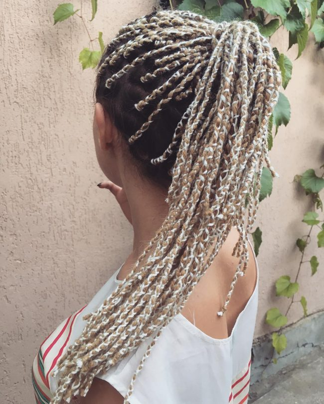 Inventive Yarn Braids Ponytail