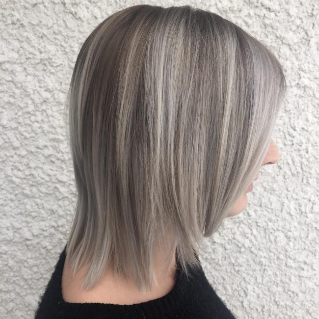 Short Light Blonde Hair with Layered Highlights