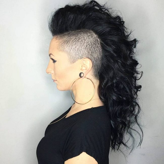 Thick Mohawk with Razor-Trimmed Sides