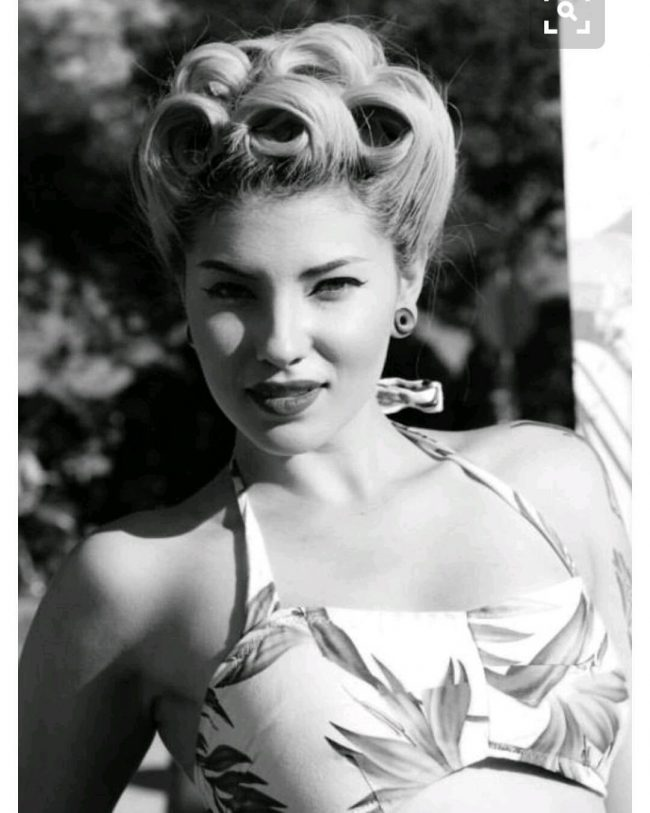 #12 Rocking Victory Rolls