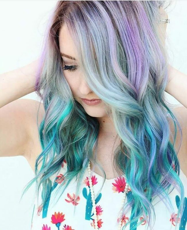 Blue and Purple Loose Beach Waves