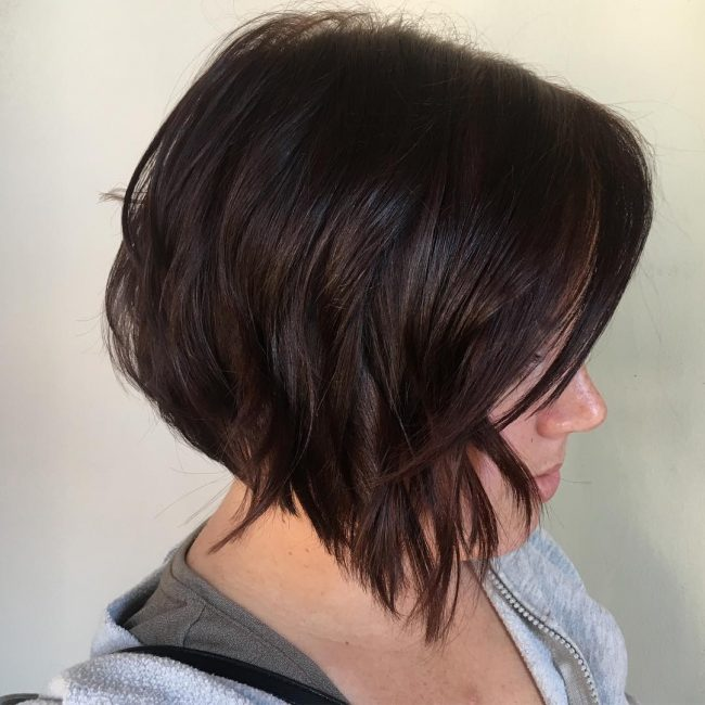 short hairstyles for round faces 18