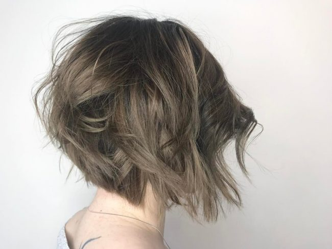 short hairstyles for thick hair 22